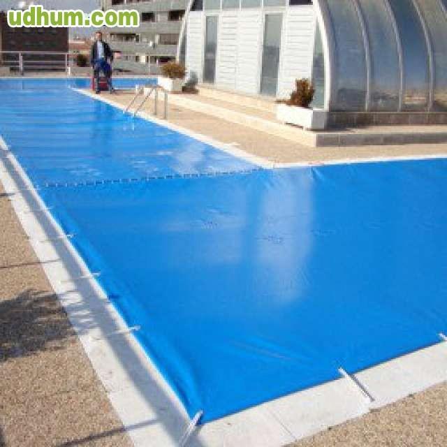 Mantas para invierno piscinas for Mantenimiento piscina invierno