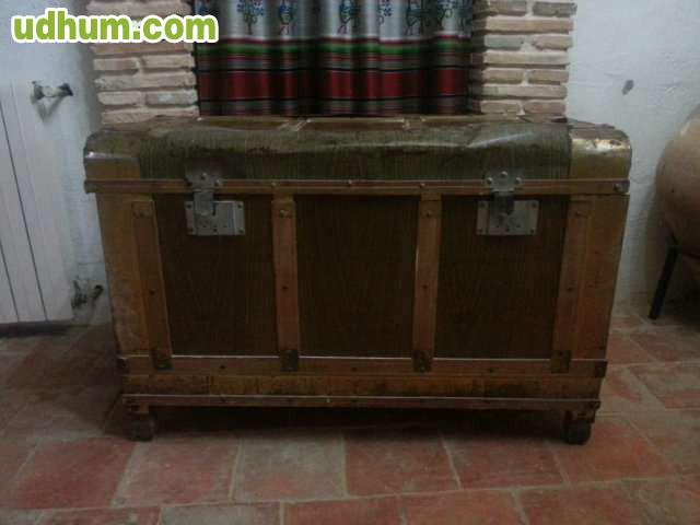 Vendo baul antiguo para restaurar for Vendo muebles antiguos para restaurar