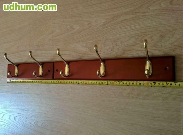 Percheros madera caoba y ganchos metalic for Ganchos metalicos para percheros