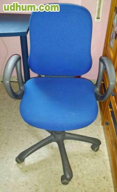 Silla de trabajo y 4 sillas confidentes for Sillas para trabajo
