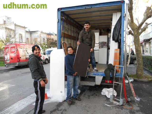 Transporte mudanzas 24h montaje muebles 11 for Transporte muebles barcelona