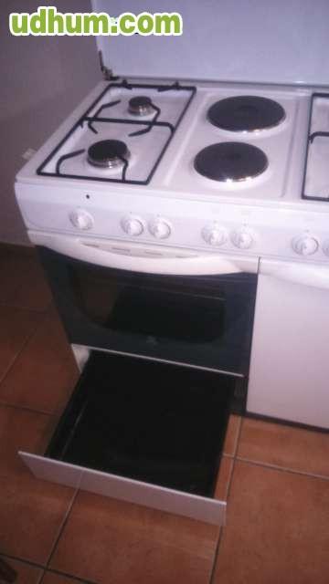 Cocina Con Horno De Gas Y Electrica