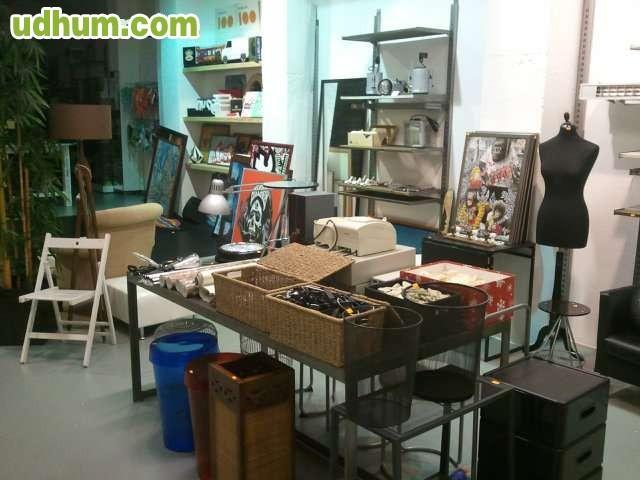 Se vende mobiliario tienda de ropa for Mobiliario 8 80