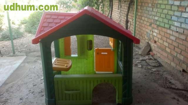 Casa infantil para el jardin for Casas para jardin infantil