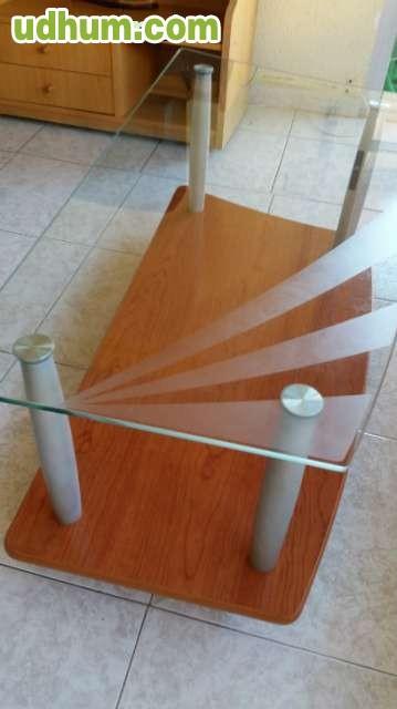 Mesa baja de sal n madera y cristal for Mesa salon madera