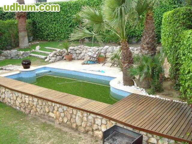 Vendo hermosa casa con piscina en sitges for Piscina sitges