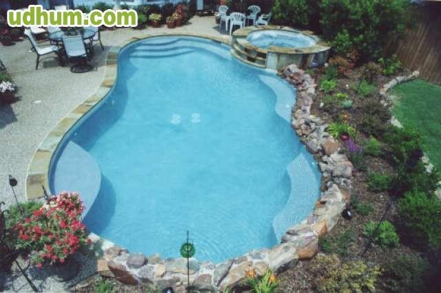 Construimos piscinas cascadas estanque for Piscina estanque