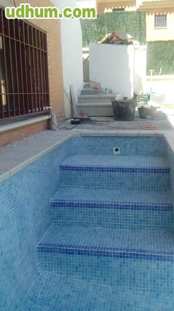 Reparaciones de piscinas granada for Construccion de piscinas en granada