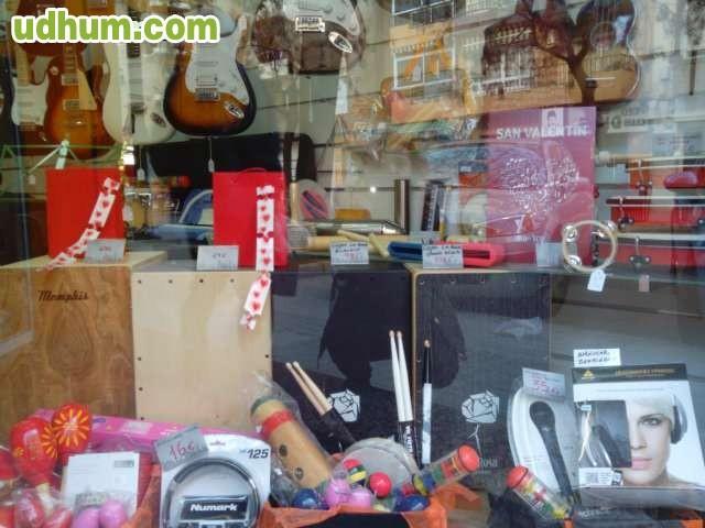 Instrumentos musicales en valencia - Calle torrente valencia ...