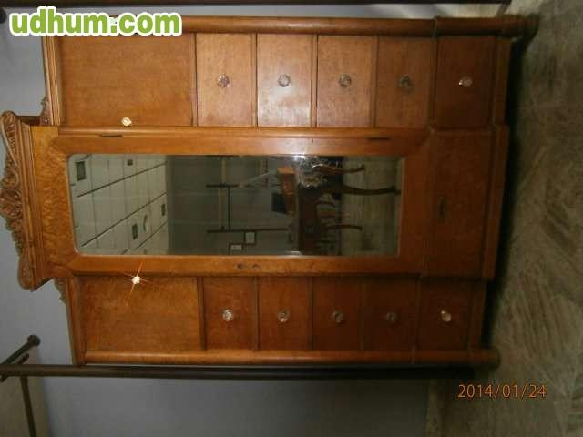 Urge muebles antiguos for Restaurador de muebles antiguos