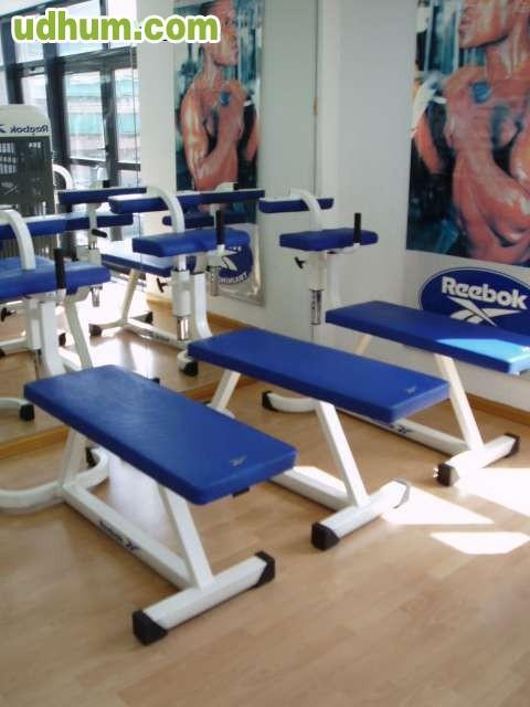 Maquinas de musculacion reebok for Maquinas de musculacion