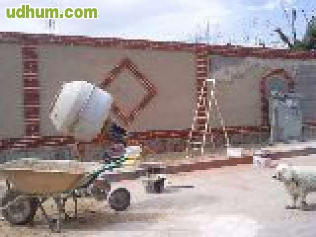 Reformas Baños Nou Barris:Se realiza reformas de baño, cocinas se coloca suelo de cerámica o