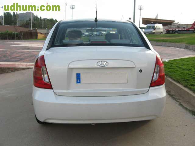 Hyundai accent 1 5 crdi 7