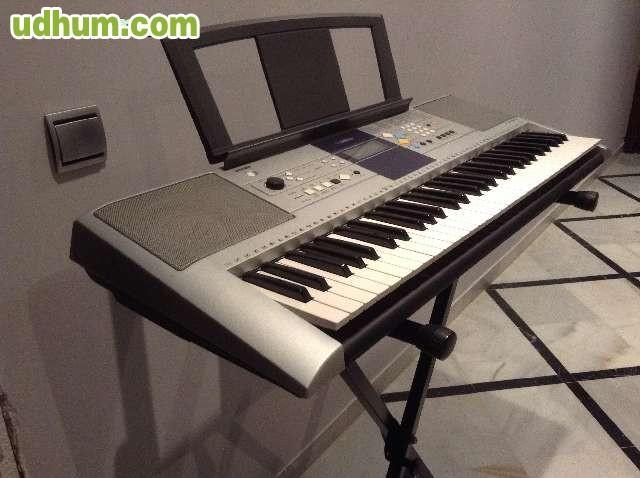 Piano electr nico profesional yamaha for Yamaha dgx 630 ypg 635
