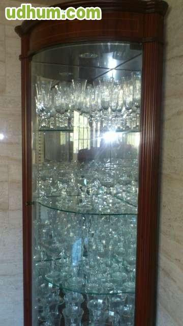 Cristaleria y vitrina de lujo for Mueble para cristaleria