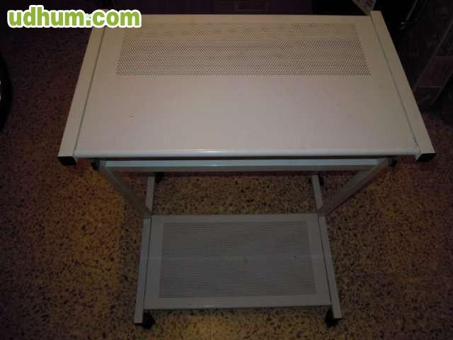 Mesa para ordenador metalica blanca for Mesa de ordenador blanca