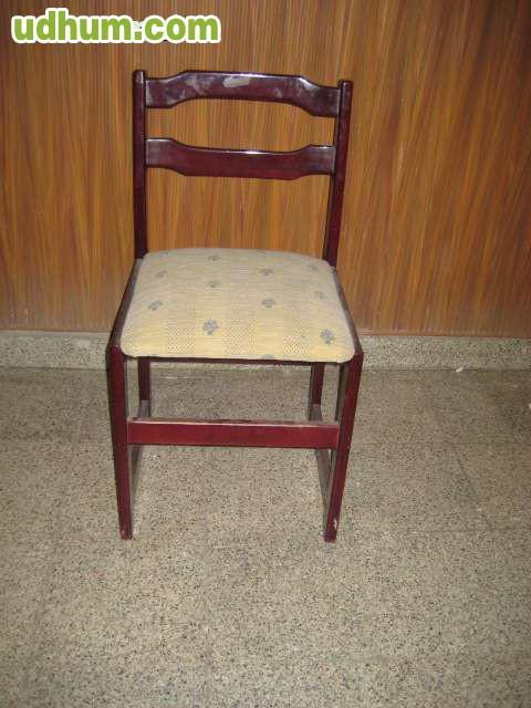2 sillas de madera color caoba for Sillas madera colores