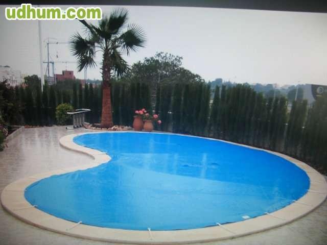 Lona para la piscina for Mp3 para piscina