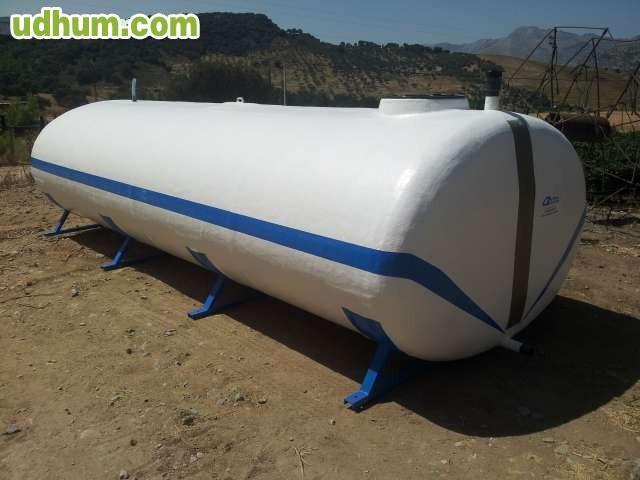 Depositos piscinas cubas poliester for Cubas de agua para llenar piscinas