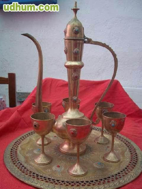 Baño Arabe Medina Aljarafe:tetera , bandeja y 6 vasos arabe, de bronce , tetera 43cm de alto
