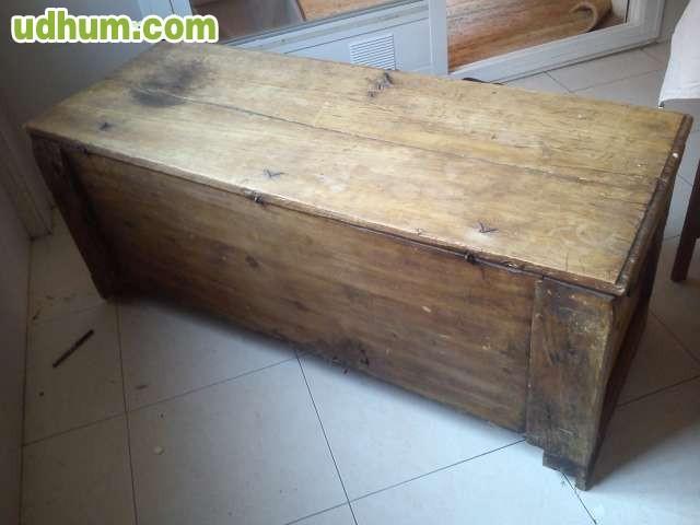 Baul antiguo de madera maciza - Baul de madera antiguo ...