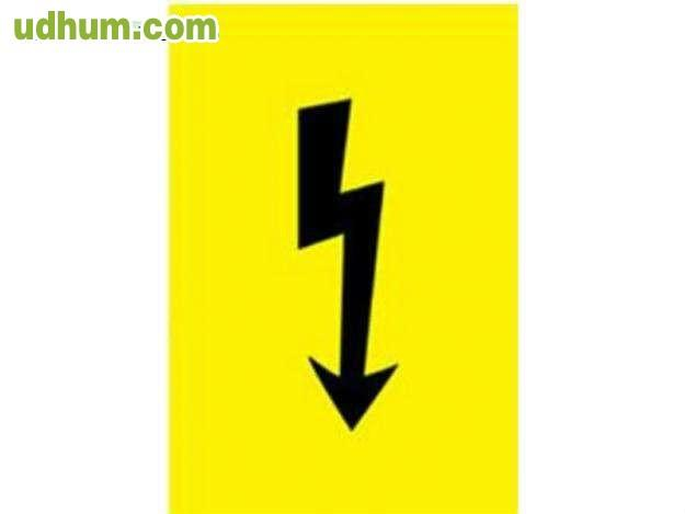 Electricista con muchisima experiencia for Trabajo de electricista en malaga