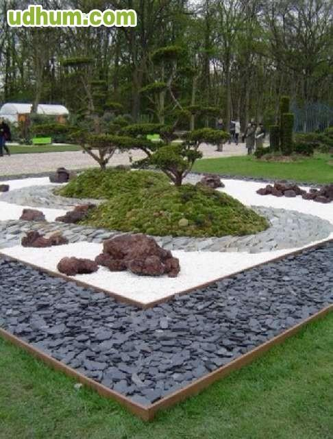 Piedra blanca canto rodado for Piedra blanca jardin