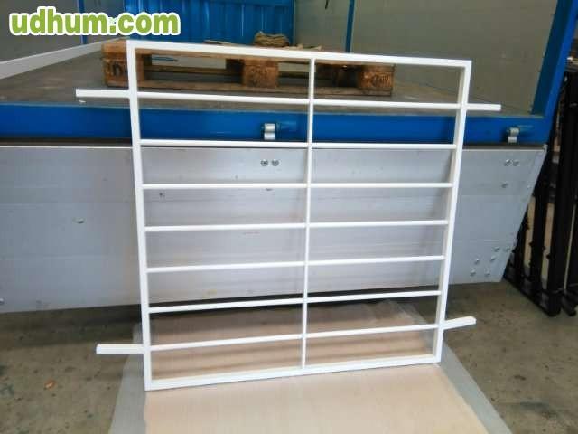 Reja hierro inoxidable y aluminio for Ventana aluminio 120x120
