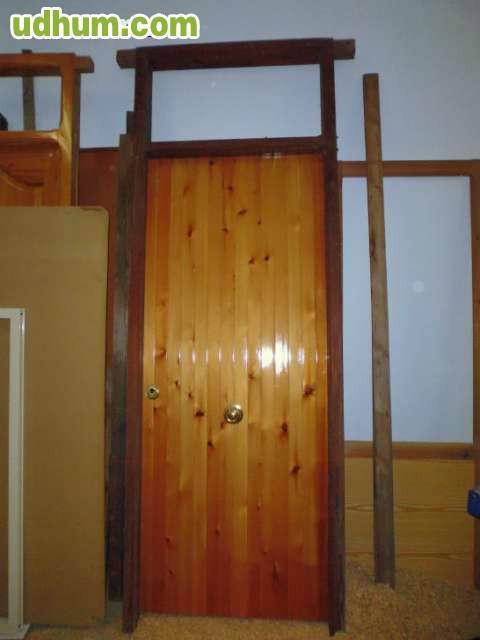 Puerta madera maciza bisagra antipalanca for Precio puerta madera maciza