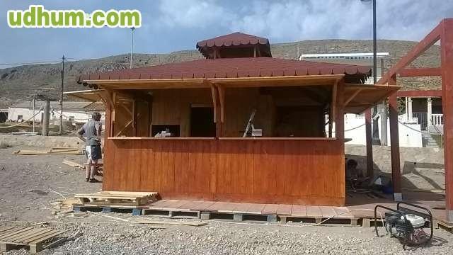Chiringuitos y casetas for Alquiler chiringuito madera