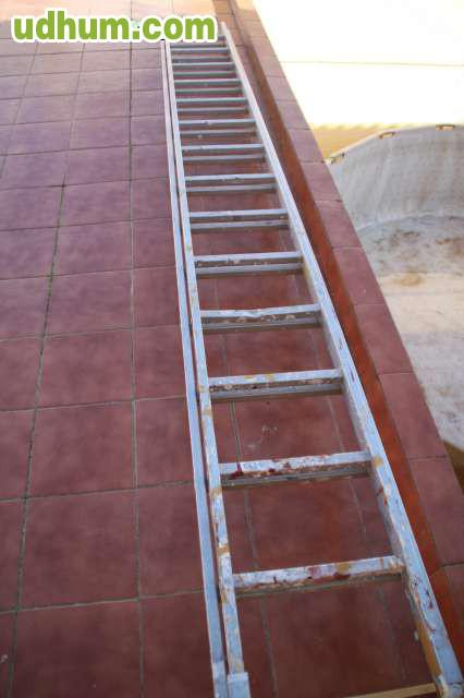 Escalera aluminio dos tramos 4 4 metros for Escaleras 15 metros