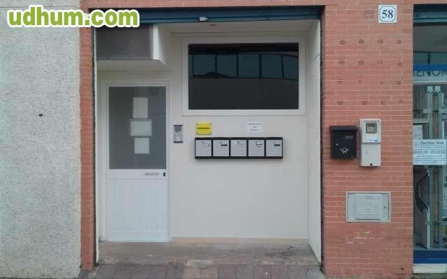 Oficina en sevilla zoologia n 58 for Oficinas cajasol sevilla