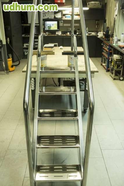 Escalera piscina discapacitados for Escalera discapacitados