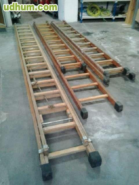 Escaleras taladros y pistola clavos for Escalera electricista madera