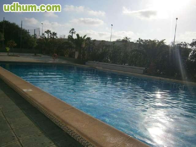 Bungalow alto con piscina gran ocasion for Piscinas desmontables ocasion