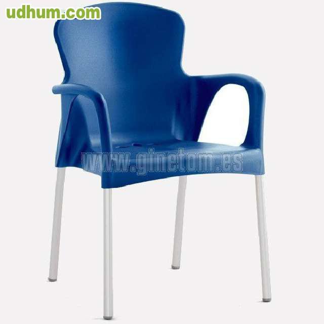 Sillas y mesas de plastico aluminio for Catalogo de sillas de madera