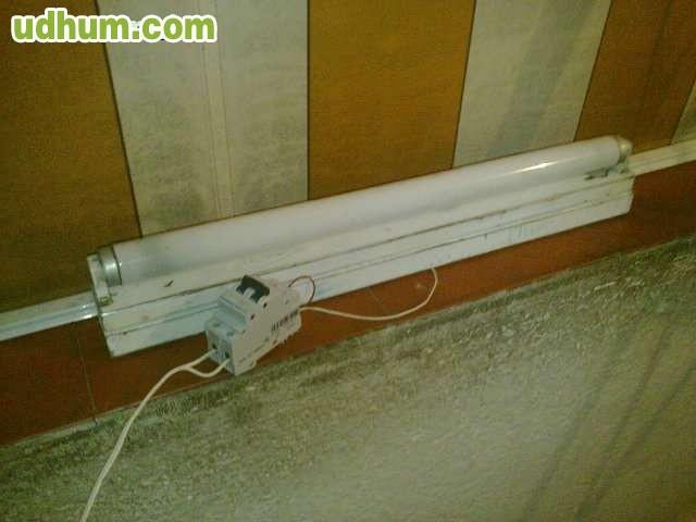 Fluorescente y porta flourescente for Porta tubos fluorescentes