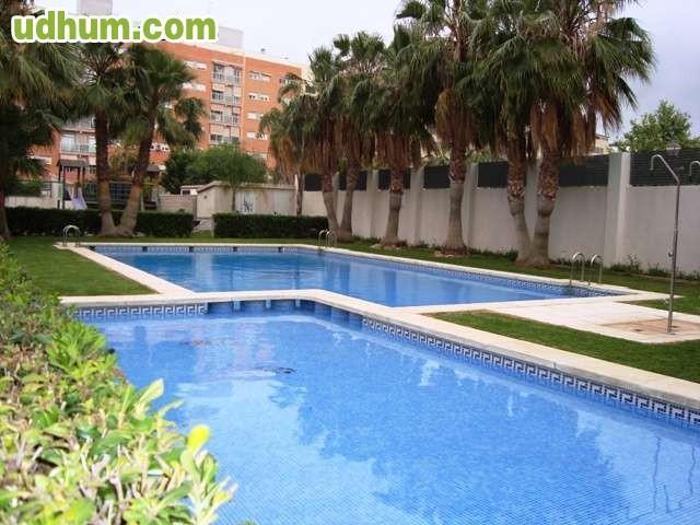 Nou benicalap plaza jose m gim nez fayos for Benicalap piscina
