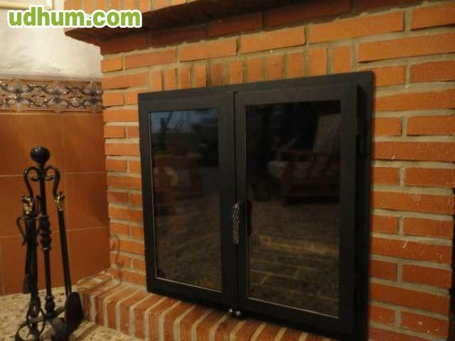 Puertas para chimeneas for Puertas acristaladas interior