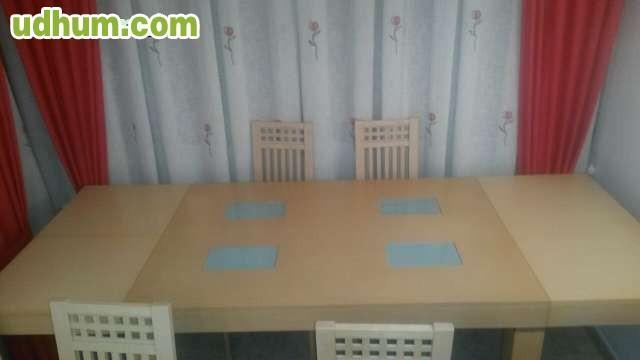 Mesa de salon de roble y 4 sillas for Mesa salon roble