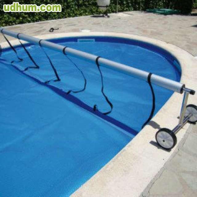 Oferta de cobertores y lonas de piscinas for Piscina cubierta illescas