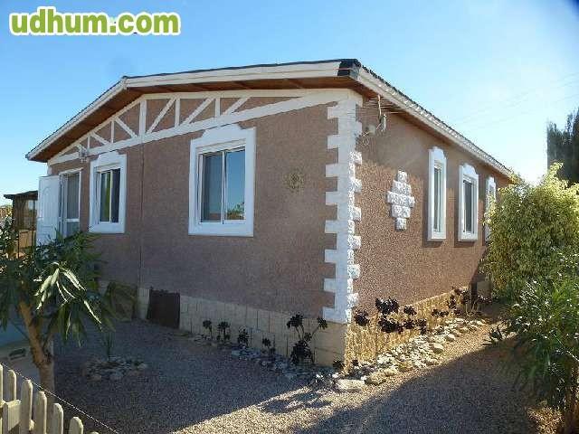 Casa prefabricada de piedra for Casas prefabricadas piedra
