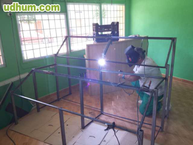 Mobiliario metal a medida para negocios - Mobiliario para negocios ...