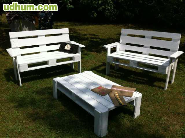Muebles con palets bancos de pales for Bancos de jardin con palets