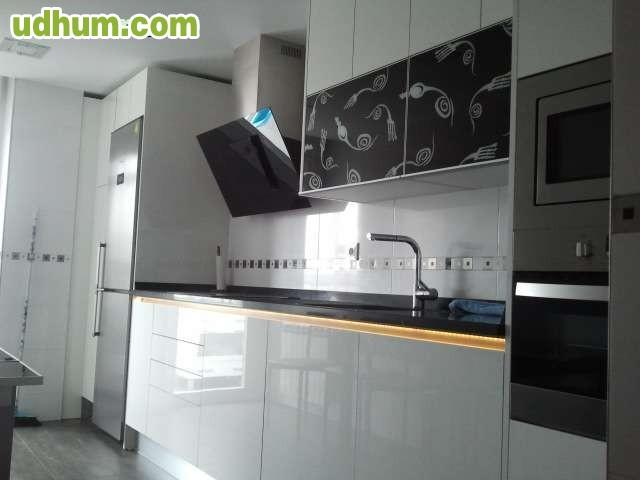 Carpintero montador de puertas cocinas y - Montador de cocinas ...