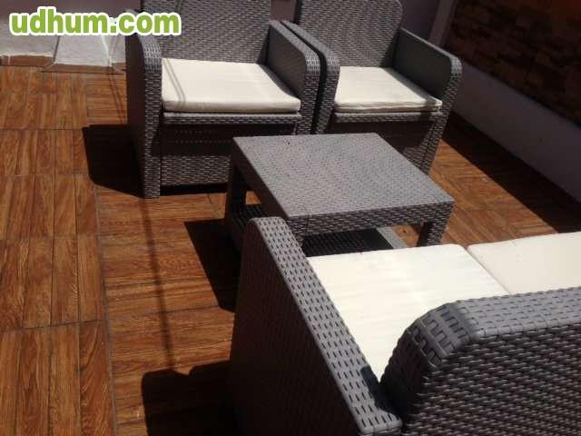 Sofa sillones mesa exterior for Sillones a buen precio