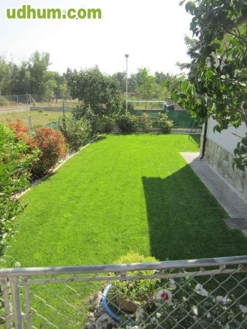 Casa de campo con jardin for Casa de jardin varca goa