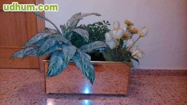 Jardinera decorativa 1 for Jardineria a domicilio barcelona