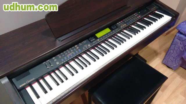 Piano yamaha clavinova cvp 201 for Yamaha cvp 303