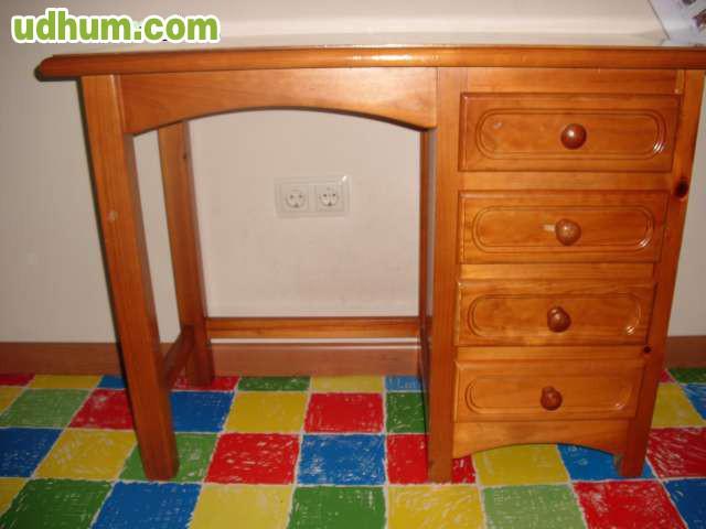 Dormitorio con cama nido y puente for Cama puente con escritorio